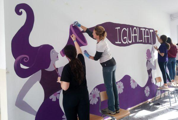 Taller de Mural en Instituto para el Dia de la Dona